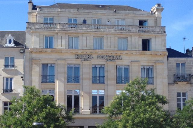 H tel central poitiers hotels in la vienne for Hotels vienne