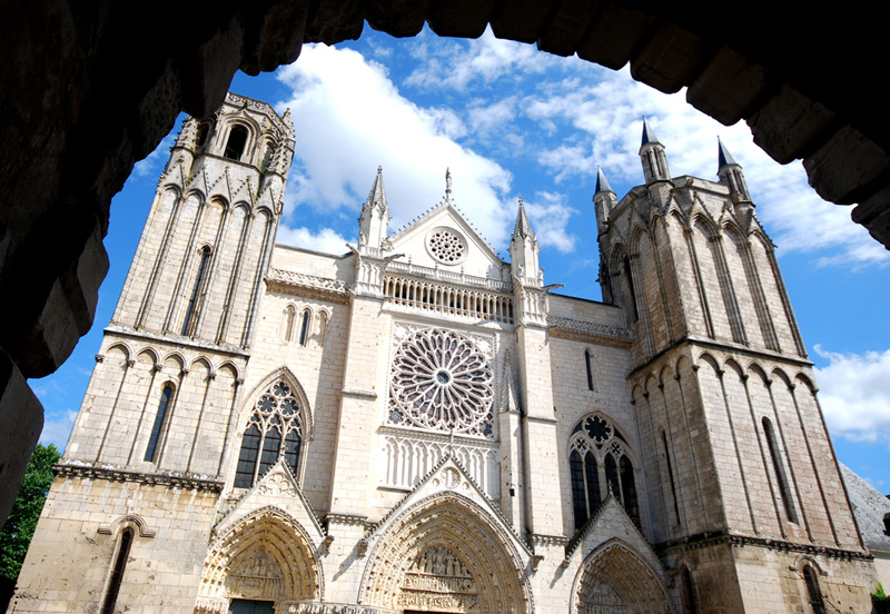Audio guided tours of poitiers poitiers 86 vienne for Vienne poitiers