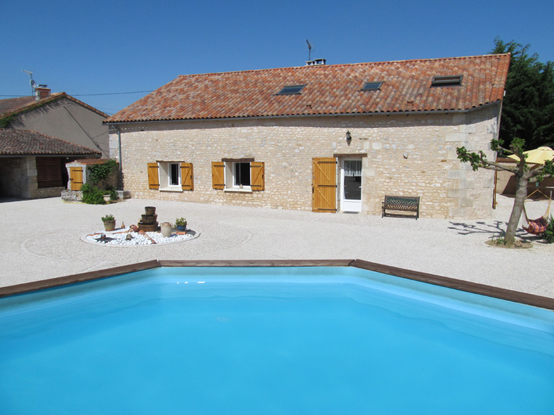 Chambres d 39 h tes the wild seeds chauvigny for Piscine chauvigny
